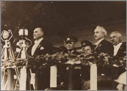 10. Yıl Nutku - Atatürk