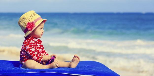 Bebeklerin Yaz Kıyafetleri Nasıl Olmalı?