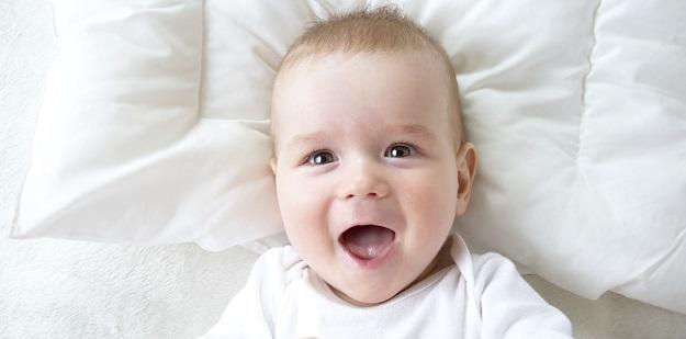 0-12 ay bebek gelişimi