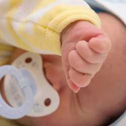 yeni doğan bebeklerde alerjiler