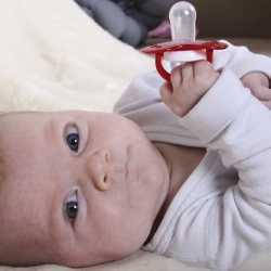 yenidoğan bebeklerde kurdeşan
