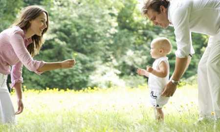 bebeklerde yürüme süreci