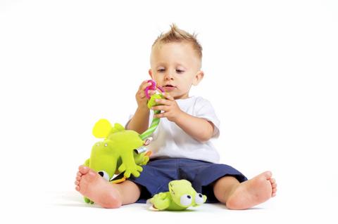 1 Yaşından Küçük Bebekler için Oyuncakların Önemi 93
