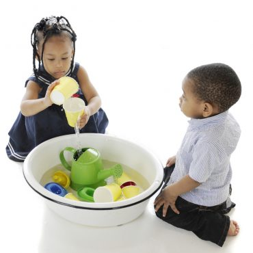 Afrikalı Çocuklara Oyuncak Yardımı