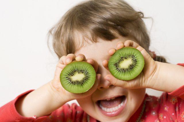 Çocuklarda Beslenme - eğlenceli meyveler