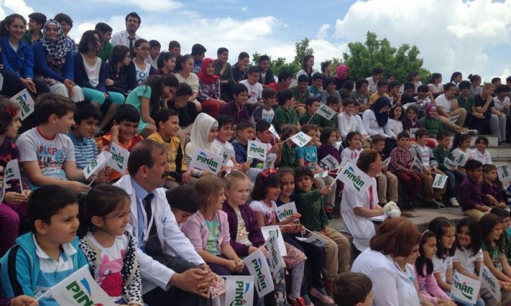Pınar, Dünya Tiyatro Günü'nü Çanakkale'de Kutlayacak 49