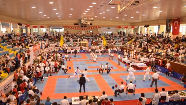 uluslararasi-23-nisan-karate-turnuvasi