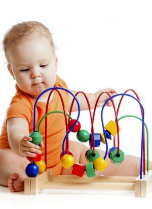 Bebek ve oyuncak