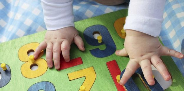 bebekler için doğru oyuncak seçimi