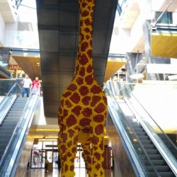 legoland-discovery-centre-dev-zürafa