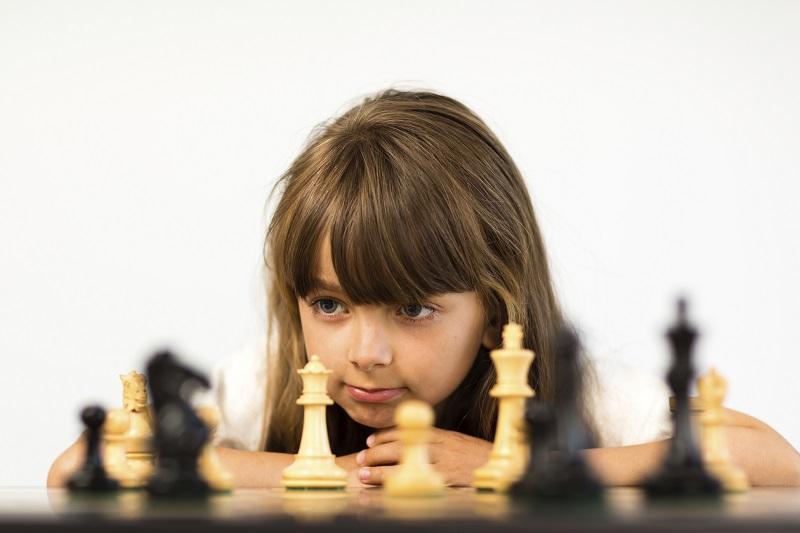 Çocukların sıkılmasını önlemek için özel programlar mı yapmak gerekli? ile ilgili görsel sonucu