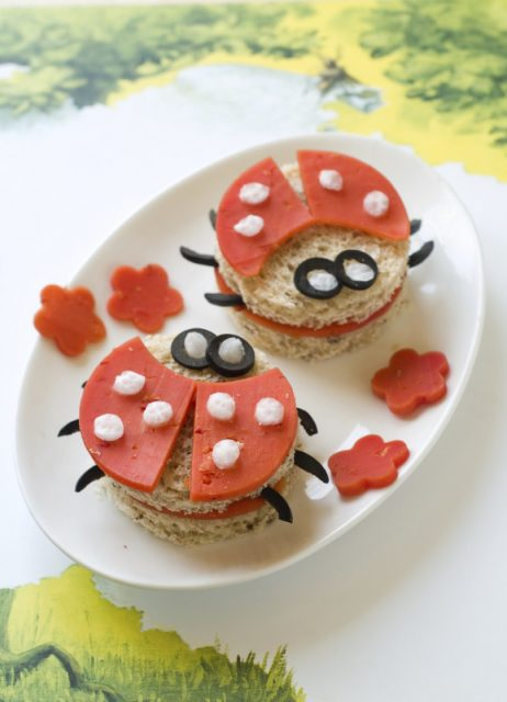 Uğur Böceği Sandviçleri