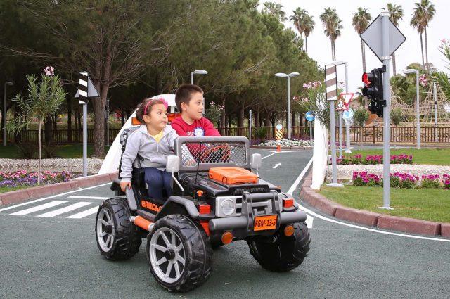 çocuklara trafik dersi (1)
