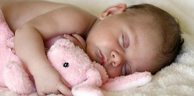 1 aylık bebeklerde gelişim
