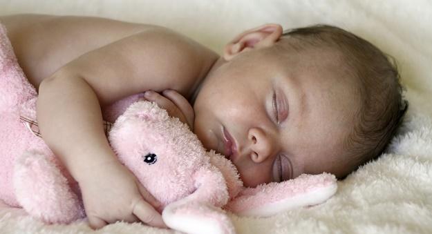 bebeklerde uyku süresi
