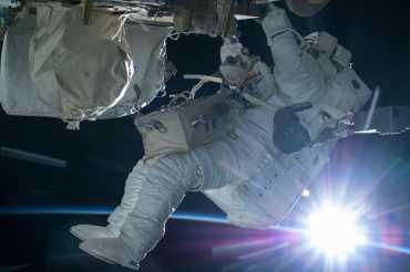 Uzayda Astronot Fotoğrafları