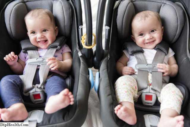 İkiz Bebek Fotoğrafları