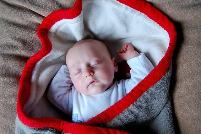 Bebekleri düşmekten korumak