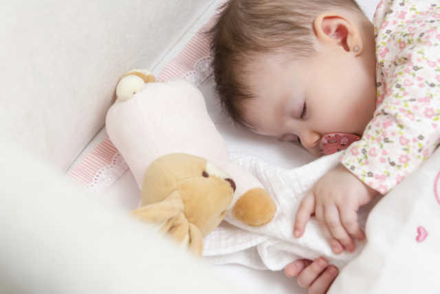Bebeklerde uyku düzeni oluşturma