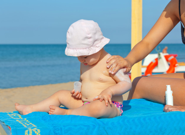 Bebeği güneşten koruma