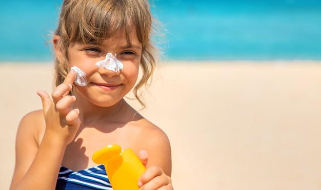 Çocuk için güneş kremi