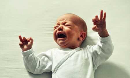 Ağlayan bebek nasıl susturulur?
